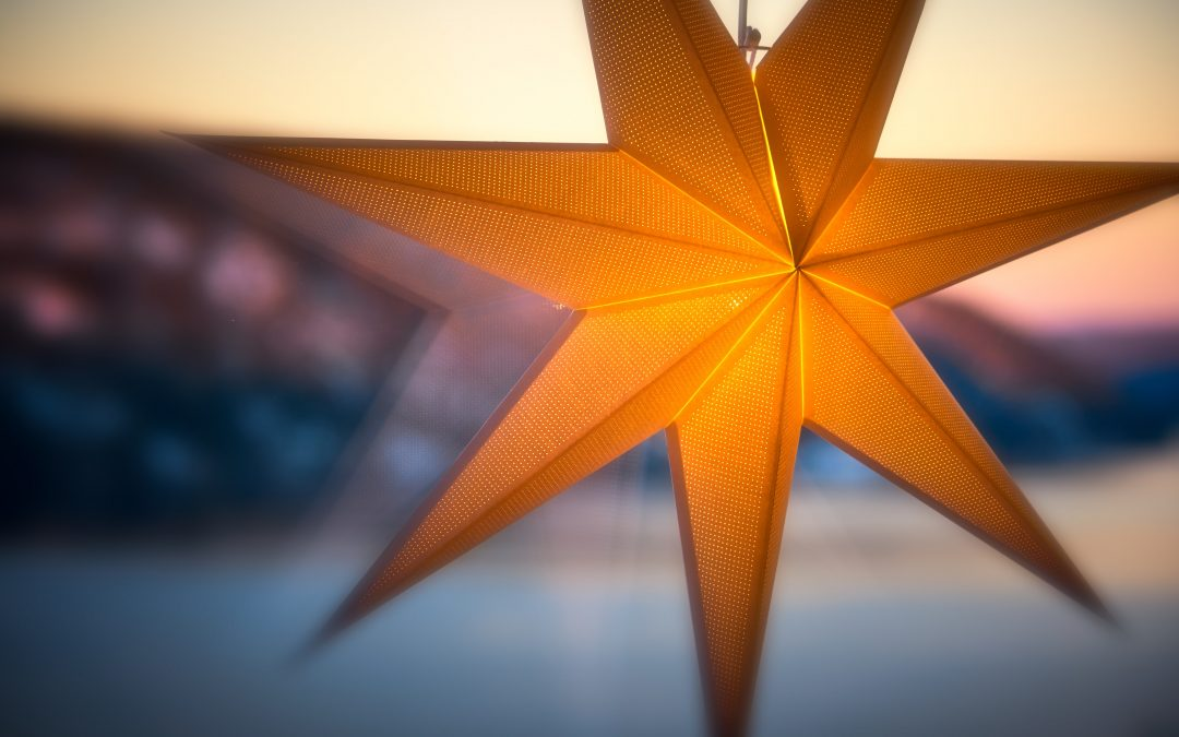 yellow paper star luminary